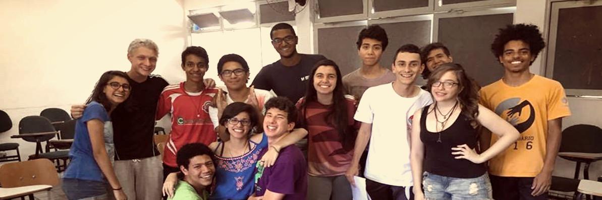 Comissão formada por alunos para escrever o Estatuto do Grêmio em 2016.